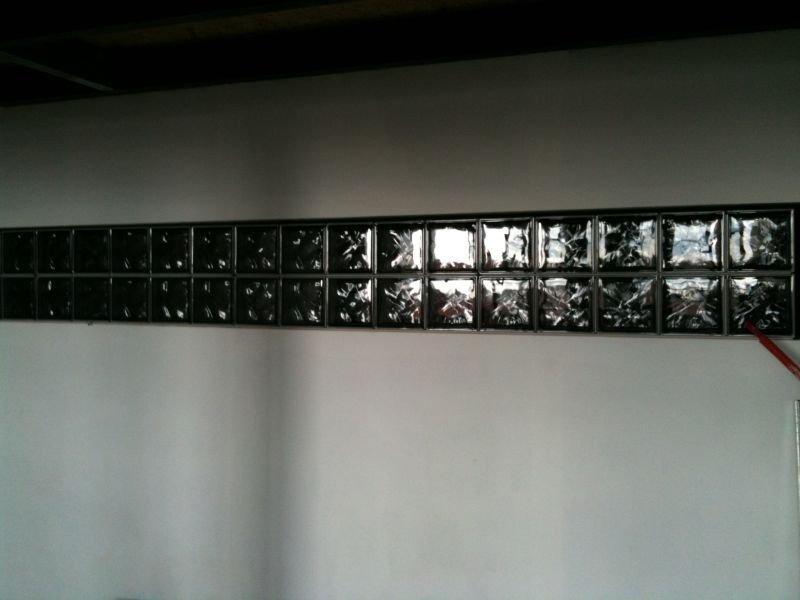 Un loft une histoire photos for Brique de verre exterieur
